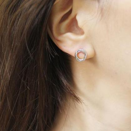 Luck karma Trinity Circles stud Ear..