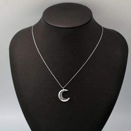 Crescent moon pendant Necklace deta..