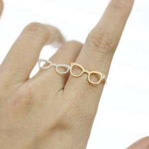 Cute Glasses Adjusted Ring detailed..