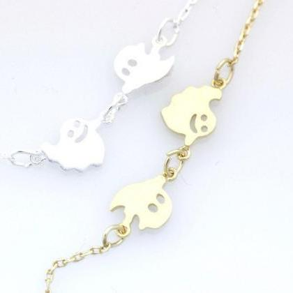 Fun and cute Smiley Ghosts necklace..