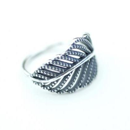 925 Sterling Silver Delicate Big Le..