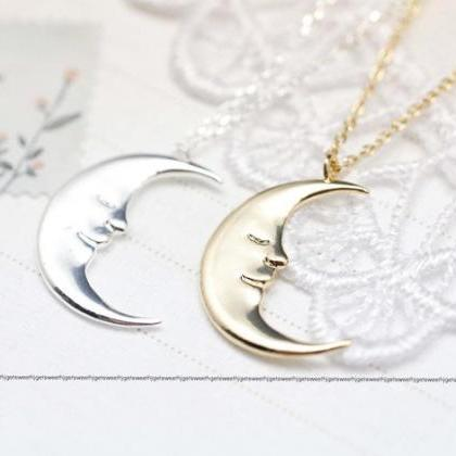 Cute Crescent moon pendant Necklace..