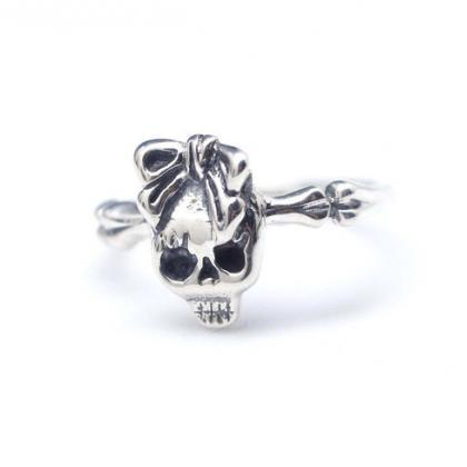 925 sterling silver skull with ribb..