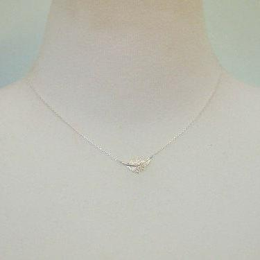 925 sterling silver.Feather Leaf Ne..