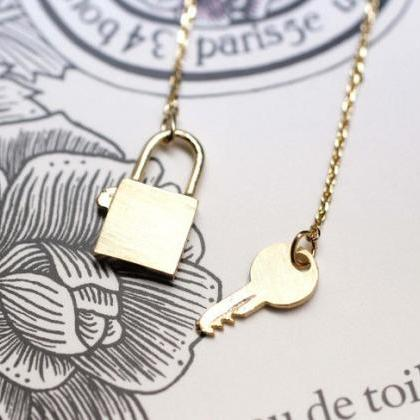 925 sterling silver Key with Lock N..