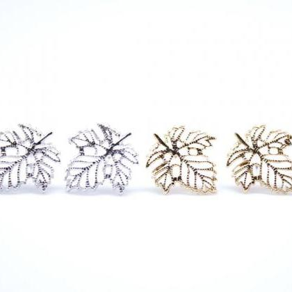 Dainty Ivy Leaf Stud Earrings in Go..