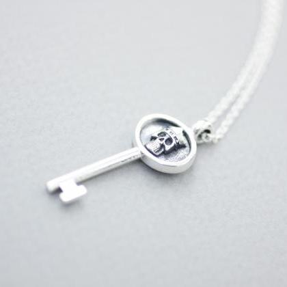 925 sterling silver Key with skull ..