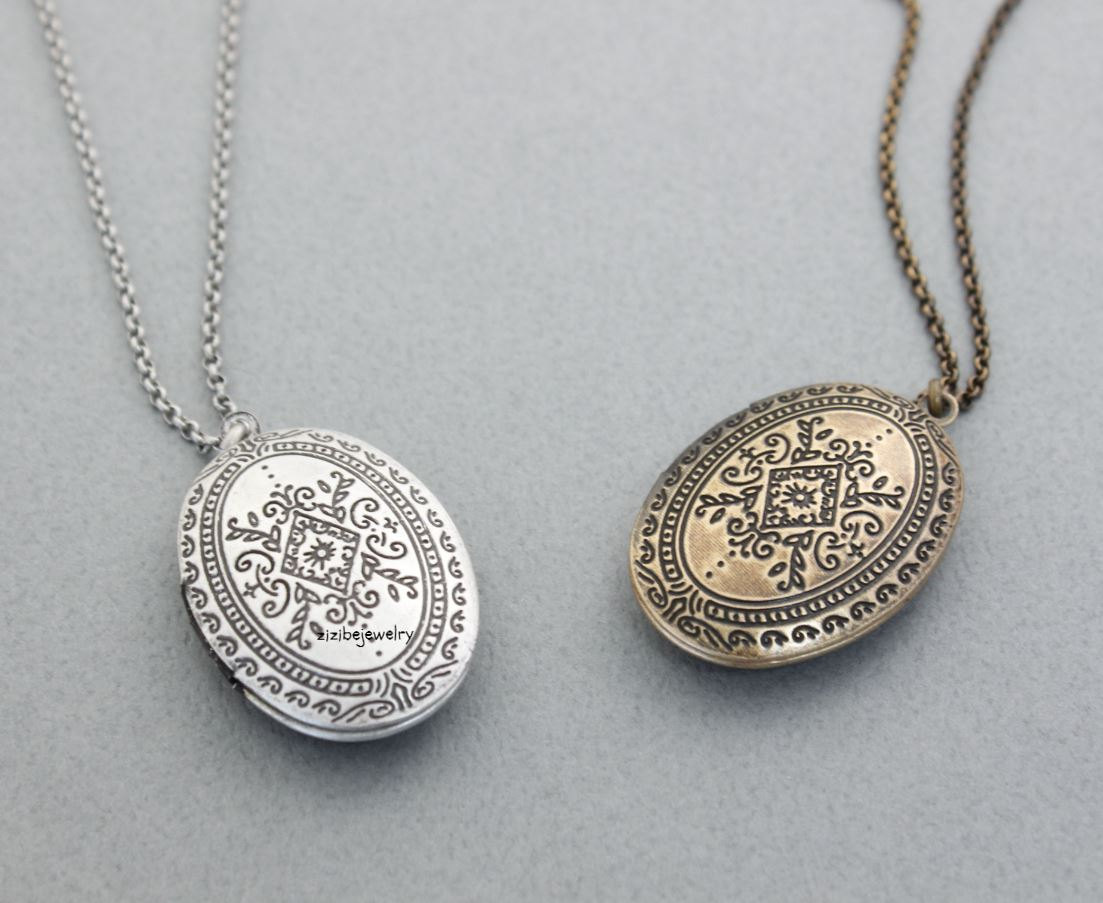 Antique Style Oval Locket Necklace