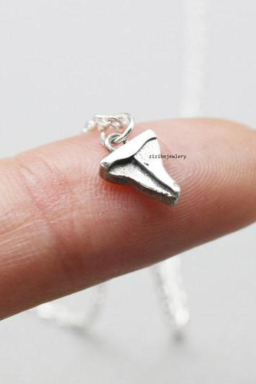 925 Sterling Silver Shark Tooth Necklace , N0780S