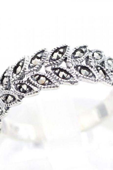 925 Sterling Silver Delicate Bay Leaf ring detailed with Marcasite