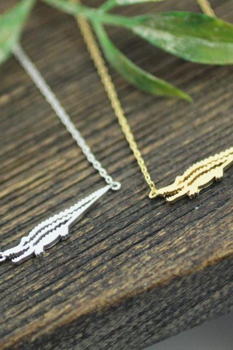 Alligator or Crocodile pendant necklaces in 3 colors, N0196K