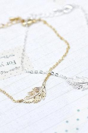 Feather Leaf Bracelet in Gold / Silver