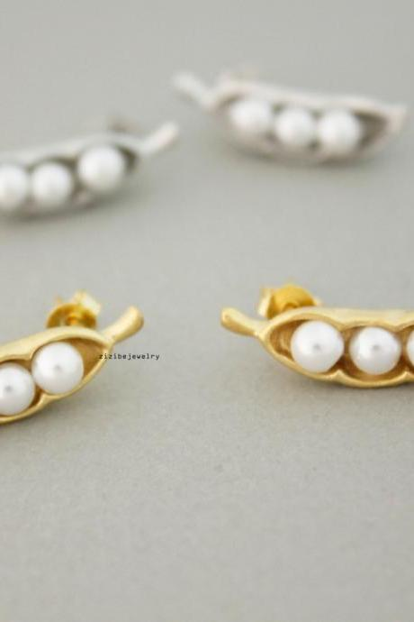 Pearl Peas in a pod stud Earrings in gold /silver, E0728G