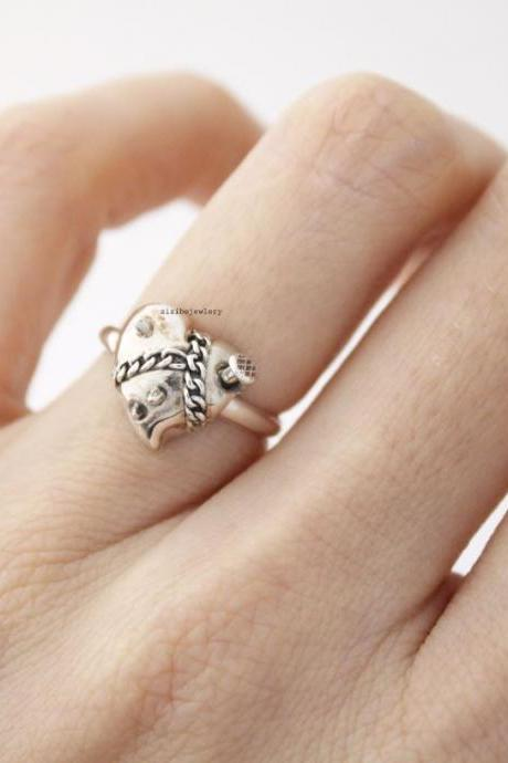 925 sterling silver Broken Heart ring, Heart jewelry, R0485S