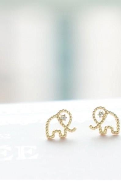 Cute and Tiny elephant Post Earring detailed with CZ silver/ gold