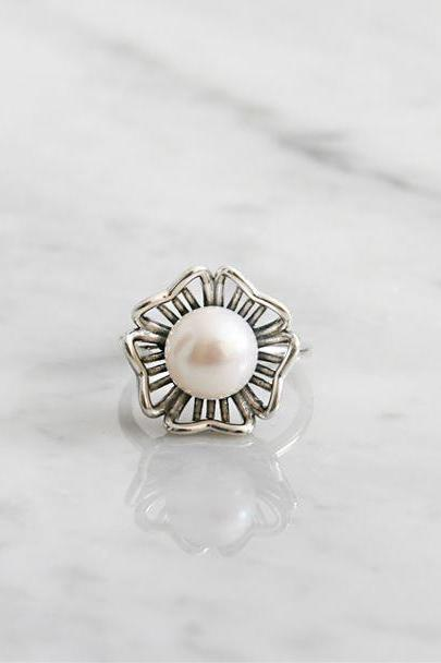 925 sterling silver Daisy flower pointed with Pearl Statement ring