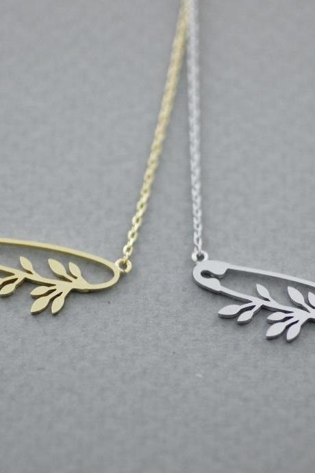 Safety Pin detailed with olive leaf charm necklace in gold / silver