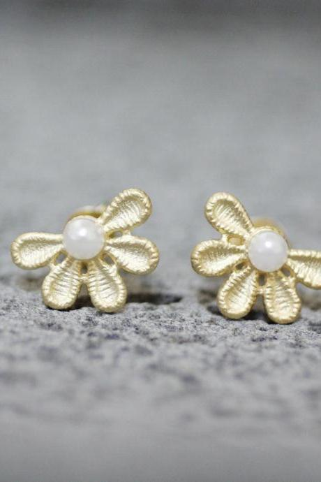 Filigree Lace Flower Petal with tiny Pearl Earrings in 3 colors