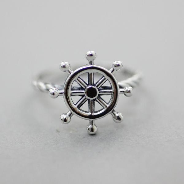 925 Sterling Ship Sailor Wheel / Nautical Ring