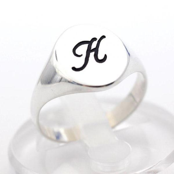 925 sterling silver Script Initial engraved ring in sterling silver