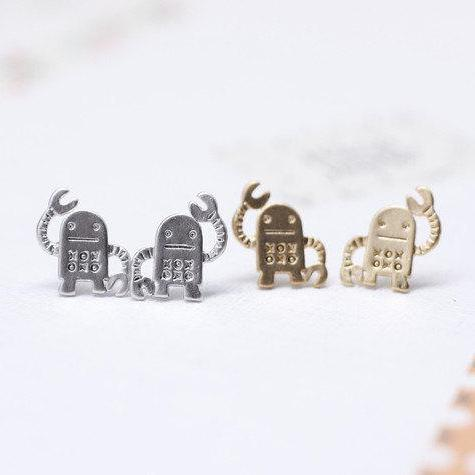 cute and unique robot post earrings( gold /silver)