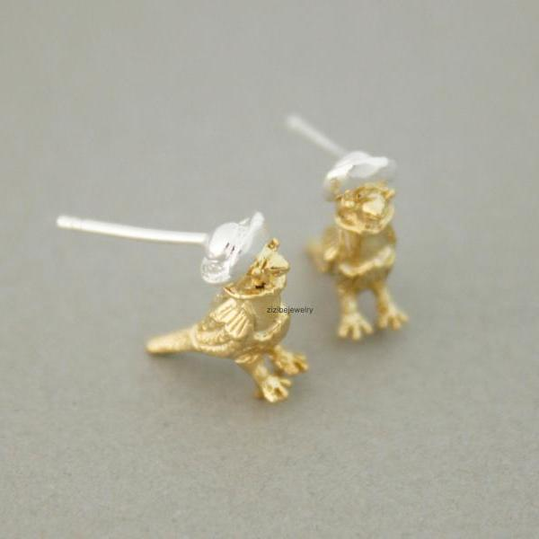 Little Sparrow on hat Stud Earrings in gold /silver, E0727G