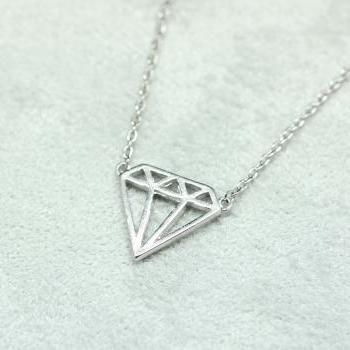 Cut-Out Diamond shape necklace in silver